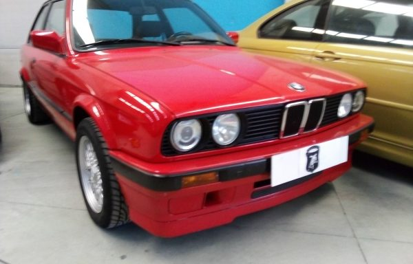 BMW 318 IS- 1990